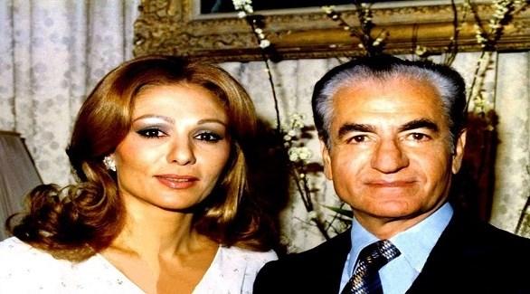 شاه إيران الراحل محمد رضا بهلوي وأرملته فرح ديبا (أرشيف)