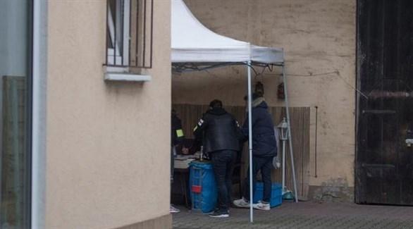الأمن الألماني خلال مداهمة منزل الإرهابيين في ولاية هيسن (دويتشيه فيله)