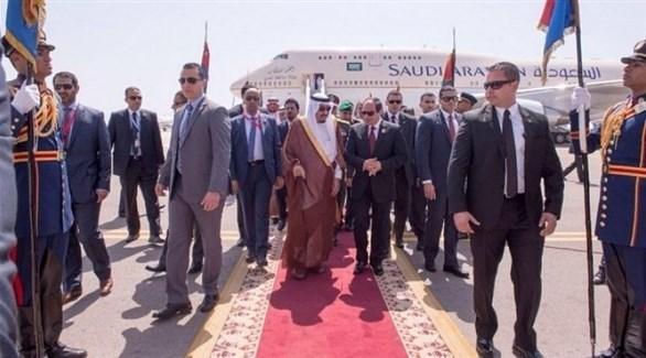 الرئيس المصري عبد الفتاح السيسي، وخادم الحرمين الشريفين الملك سلمان بن عبد العزيز (وكالات)