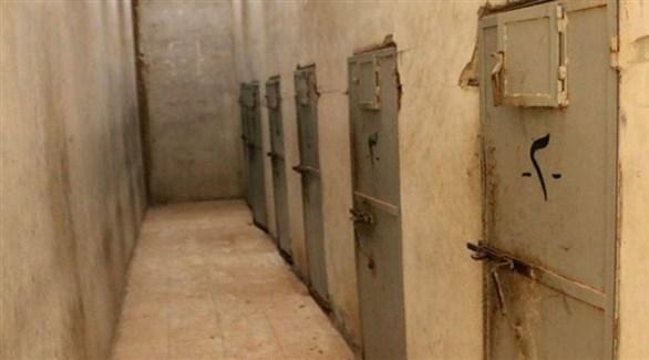زنانين سرية في أحد السجون الحوثية في اليمن (أرشيف)