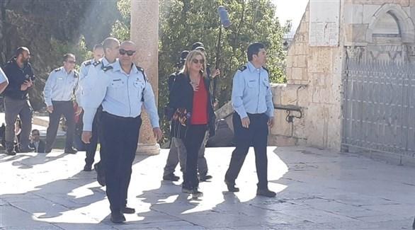 قائد لواء القدس في شرطة الاحتلال هليفي خلال اقتحامه للأقصى (تويتر)