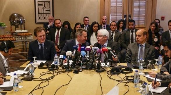 مبعوث الأمم المتحدة لليمن مارتن غريفيث في اجتماع عمان اليوم (EPA)