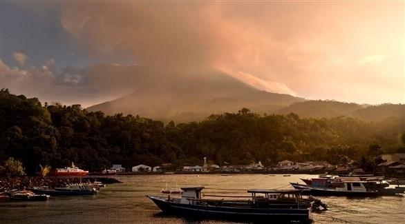 مشهد من بركان جزيرة