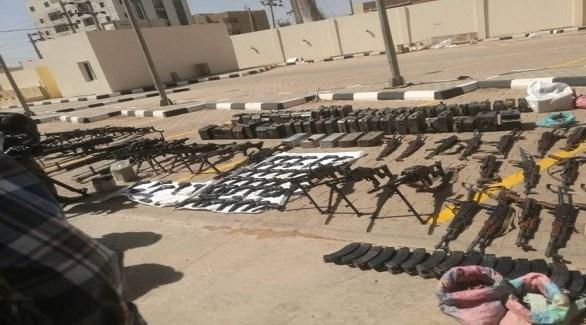 أسلحة وذخائر ضبطها الأمن السوداني في مناسبة سابقة (أرشيف)
