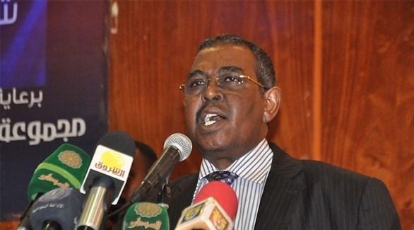 رئيس الوزراء السوداني محمد طاهر ايلا (أرشيف)