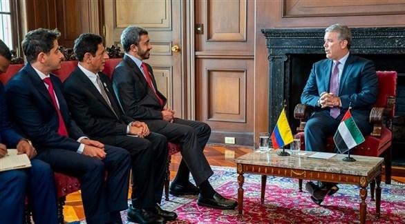 الرئيس الكولومبي خلال استقبل الشيخ عبد الله بن زايد والوفد المرافق (وام)
