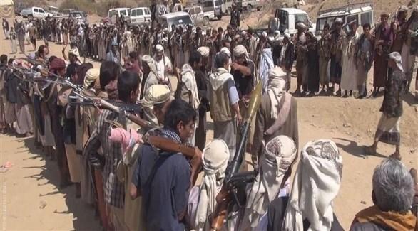 مقاتلون من قبائل حجور خلال اشتباكات مع ميليشا الحوثي (أرشيف)
