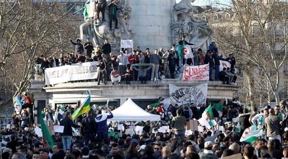 متظاهرون جزائريون في فرنسا (أرشيف)