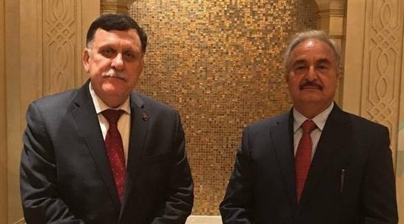 قائد الجيش الليبي المشير خليفة حفتر ورئيس حكومة الوفاق فائز السراج (أرشيف)