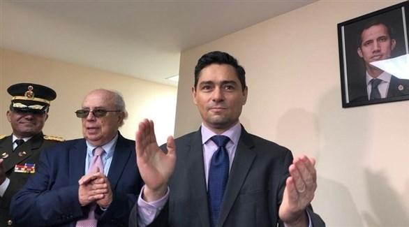 ممثل زعيم المعارضة الفنزويلية في أمريكا كارلوس فيكيو (تويتر)