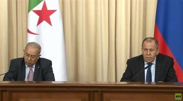 وزير الخارجية الروسي لافروف ونائب رئيس الوزراء الجزائري لعمامرة (أرشيف)