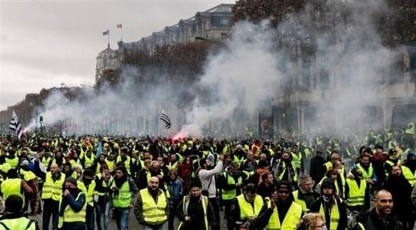 احتجاجات سابقة لمتظاهري السترات الصفراء في باريس (تويتر)