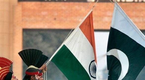 العلم الباكستاني والعلم الهندي (أرشيف)