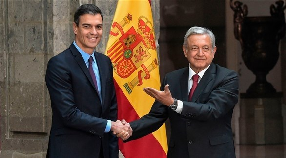رئيس الوزراء الاسباني مستقبلاً الرئيس المكسيكي (أرشيف / أ ف ب)
