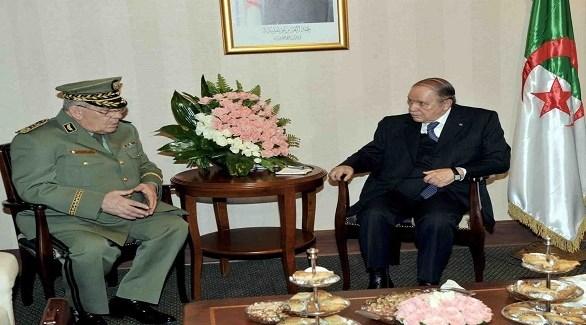 الرئيس الجزائري عبدالعزيز بوتفليقة رئيس أركان الجيش الفريق أحمد قايد صالح (أرشيف)