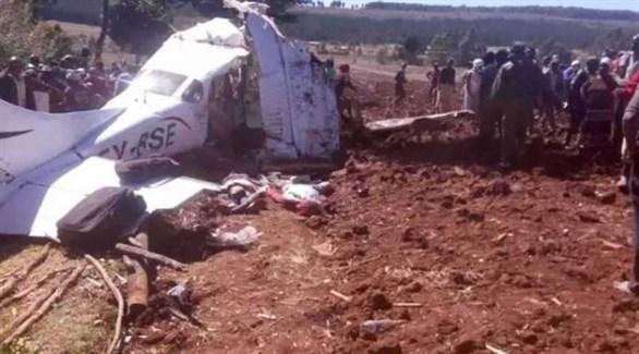 حطام المروحية المنكوبة في كينيا (تويتر)