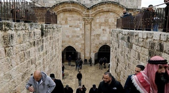 فلسطينيون أمام مصلى باب الرحمة في القدس المحتلة (أرشيف)