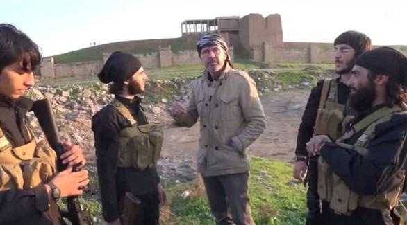 الصحافي الألماني يورغن تودنهورف في حوار مع دواعش ألمان في سوريا (أرشيف)