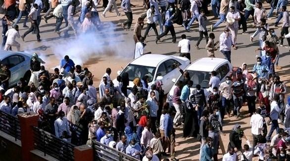 مظاهرات مطالبة بإسقاط الرئيس عمر البشير (أرشيف)