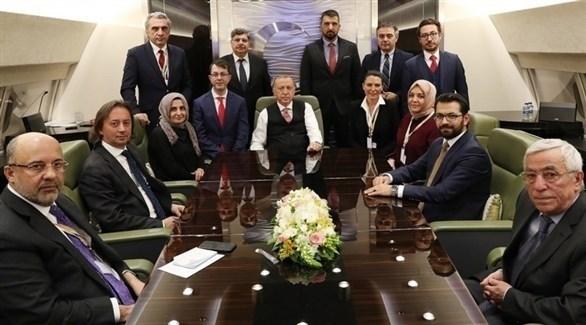 قيادات إعلامية تركية بجانب الرئيس أردوغان (أرشيف)