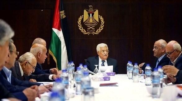 الرئيس محمود عباس يجتمع بمسؤولين في السلطة الفلسطينية (أرشيف)