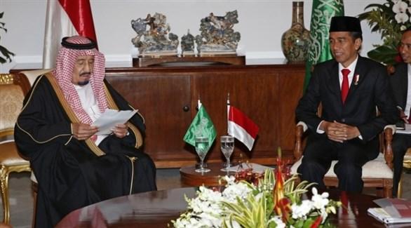 الملك سلمان بن عبد العزيز والرئيس الإندونيسي جوكو ويدودو (أرشيف)