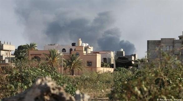 تصاعد الدخان في طرابلس بع قصف سابق (أرشيف)
