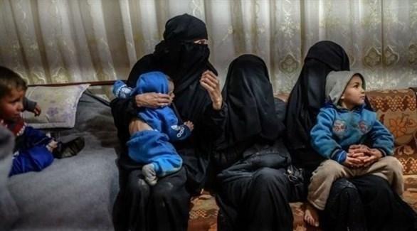 عائلات مقاتلين في صفوف داعش الإرهابي في مخيم الهول بسوريا (أرشيف)