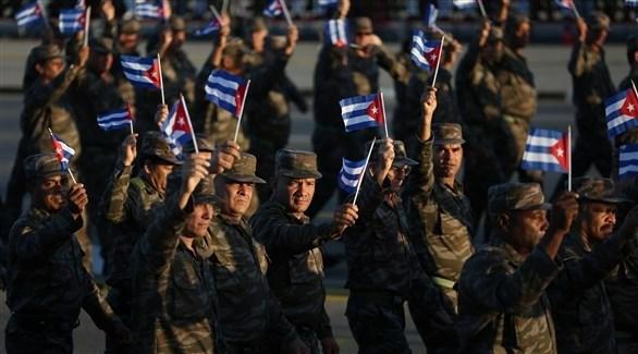 جيش كوبي خلال مراسم تسلم الرئيس الفنزويلي نيكولاس مادور سلطاته (أرشيف)