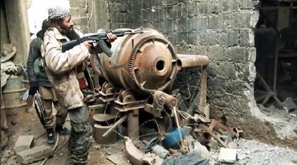 مسلحان من داعش في سوريا (أرشيف)