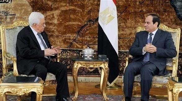 الرئيسان المصري عبد الفتاح السيسي والفلسطيني محمود عباس (أرشيف)