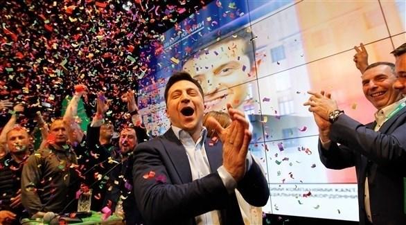 الممثل الكوميدي فولوديمير زيلينسكي الفائز بالانتخابات الرئاسية في أوكرانيا (إ ب أ)