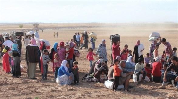 نازحون سوريون عن مخيم الركبان (أرشيف)