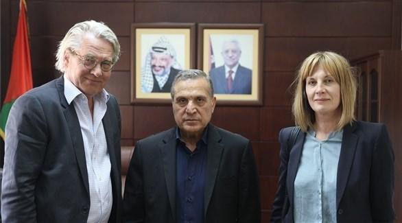 نائب رئيس الوزراء الفلسطيني نبيل أبو ردينة والمبعوث النرويجي تور فنيسلاند (وفا)