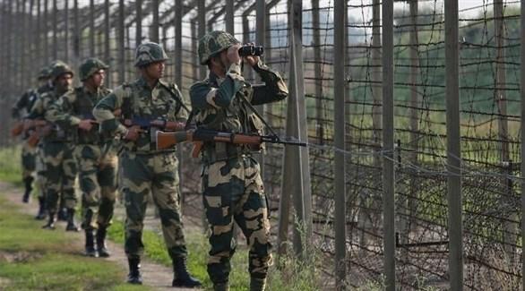 عناصر من القوات الهندية على الحدود مع باكستان (أرشيف)