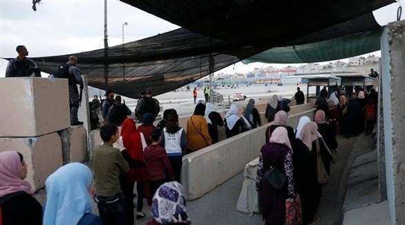 فلسطينيون يتوجهون إلى الاقصى (حمزة شلش / وفا)