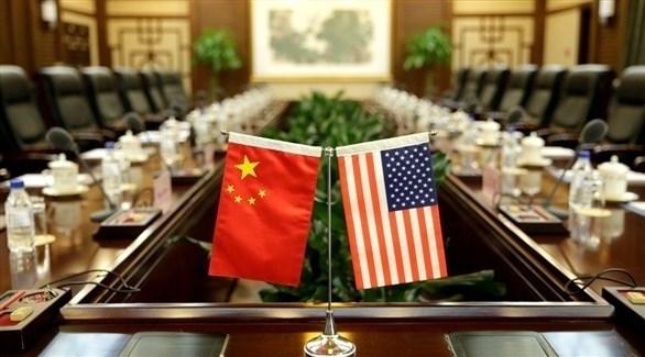 العلمان الصيني والأمريكي على طاولة المفاوضات التجارية بين الطرفين (أرشيف)
