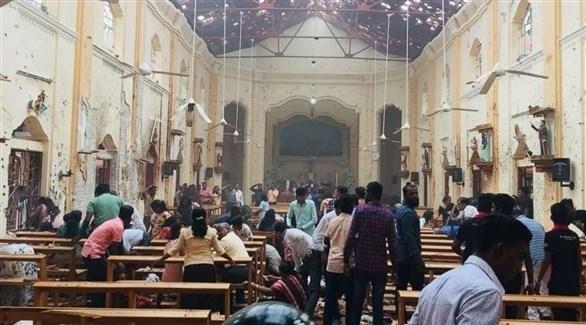 مصلون في كنيسة تعرضت للتفجير في سريلانكا (أرشيف)