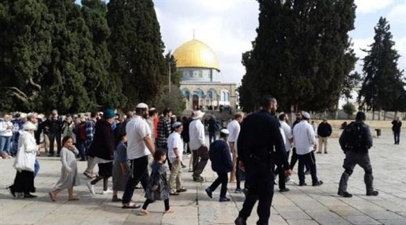 مستونطون يقتحمون باحات المسجد الأقصى (أرشيف)