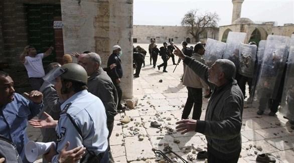شرطة الاحتلال تقتحم المسجد الأقصى وتطرد المعتكفين بالقوّة (أرشيف)