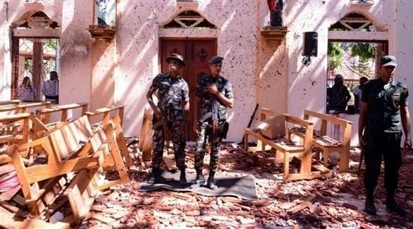 عسكريون سريلانكيون في موقع كنيسة بعد تفجيرات الفصح (أرشيف)
