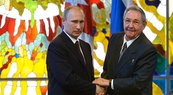 الرئيس الروسي فلاديمير بوتين والأمين العام الأول للحزب الشيوعي الكوبي راؤول كاسترو (أرشيف)
