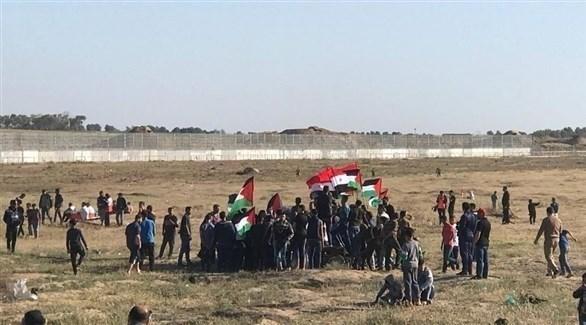 شبان فلسطينيون يتظاهرون ضد الاحتلال الإسرائيلي في غزة (تويتر)