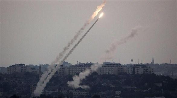عشرات الصواريخ تطلق من غزة على مستوطنات إسرائيلية (تويتر)