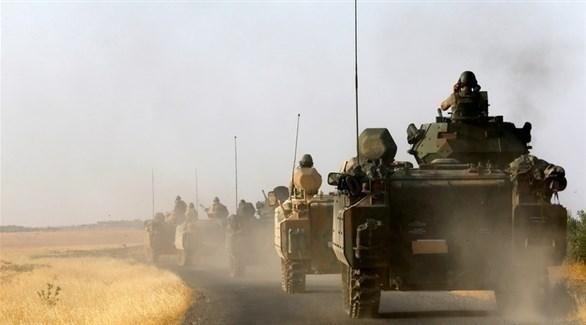 دبابات تركية تعبر الحدود إلى سوريا (أرشيف)