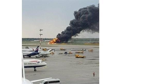 اشتعال االنيران في الطائرة الروسية (أب)