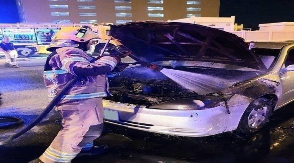 احتراق مركبة في عجمان (من المصدر)