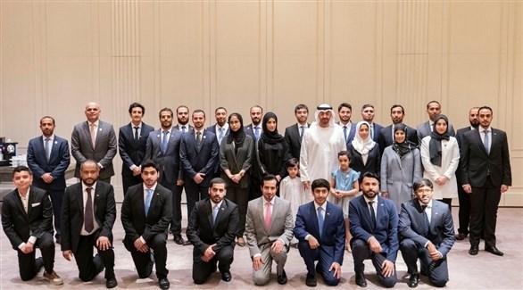 لقاء محمد بن زايد وطلبة الإمارات الدارسين في ألمانيا (تويتر)