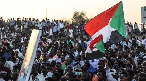 متظاهرون سودانيون في الخرطوم (تويتر)