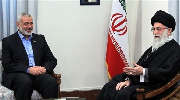 رئيس المكتب السياسي لحركة حماس إسماعيل هنية والمرشد الإيراني علي خامنئي (أرشيف)